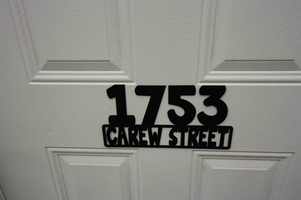 1753 Carew St - Photo 1