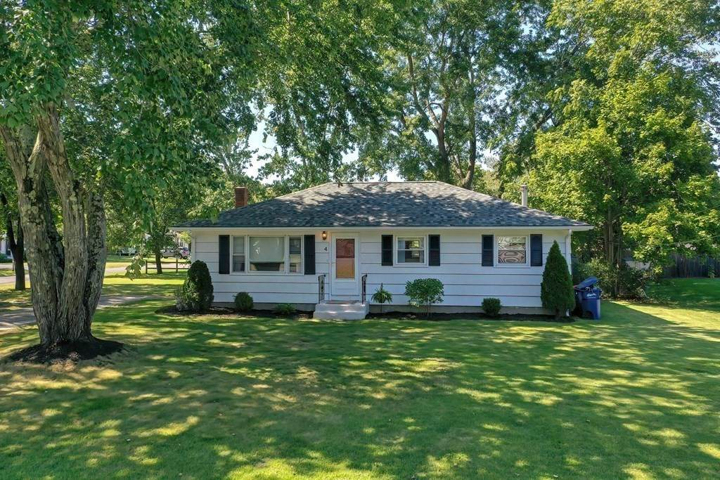 4 Holly Dr - Photo 1