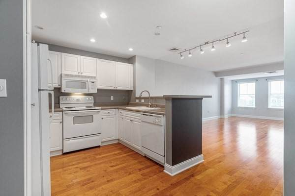 10 Seaport Dr #2303, Quincy, MA 02171 (MLS #72895619) :: The Seyboth Team