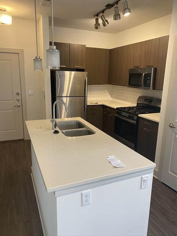 225 Fallon Road #310, Stoneham, MA 02180 (MLS #72897295) :: Maloney Properties Real Estate Brokerage