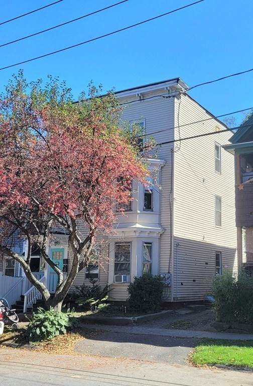 111 L St, Montague, MA 01376 (MLS #72897691) :: Charlesgate Realty Group