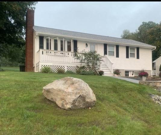 71 Old Rockingham Rd, Salem, NH 03079 (MLS #72899058) :: The Gillach Group