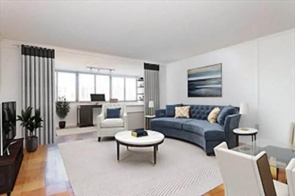 8 Whittier Place 4A, Boston, MA 02114 (MLS #72900424) :: Alex Parmenidez Group