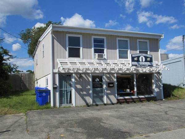 279 Main St, Bourne, MA 02532 (MLS #72900575) :: Alex Parmenidez Group