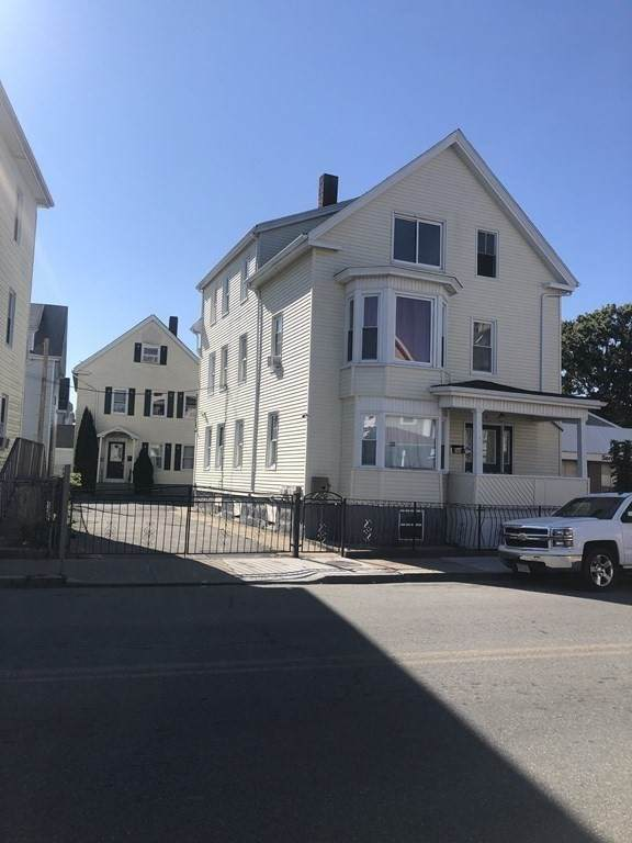 91-91 1/2 County St, New Bedford, MA 02744 (MLS #72900900) :: The Gillach Group