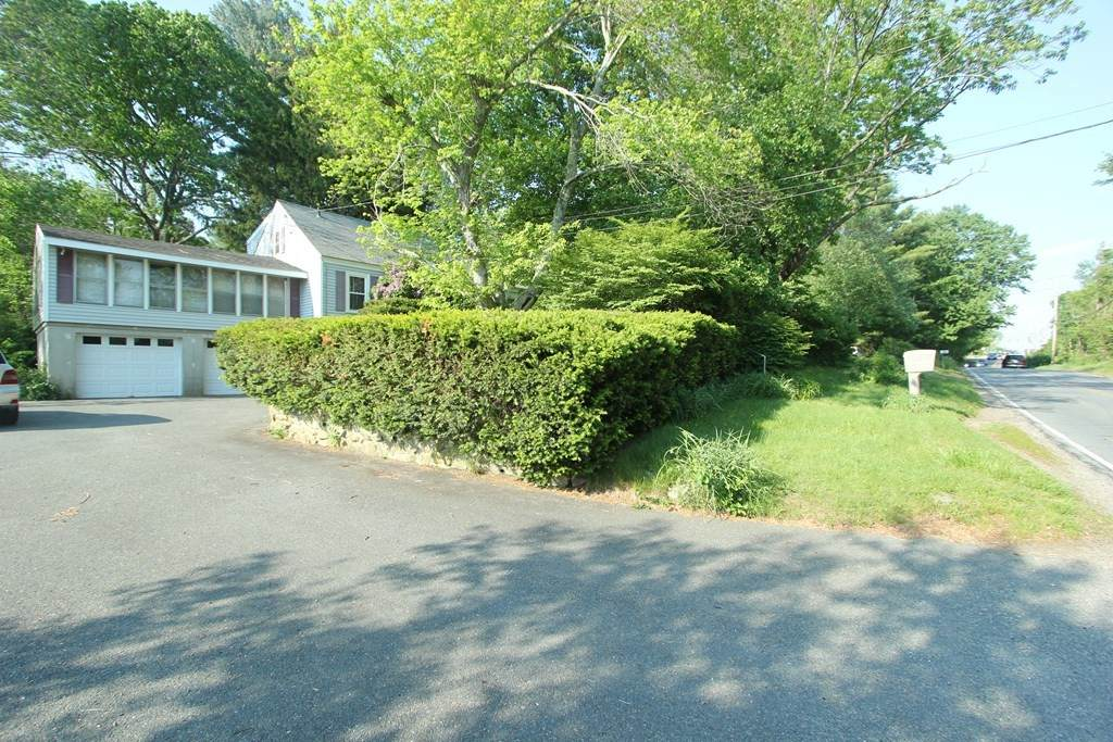 128 Hartford Ave, East - Photo 1