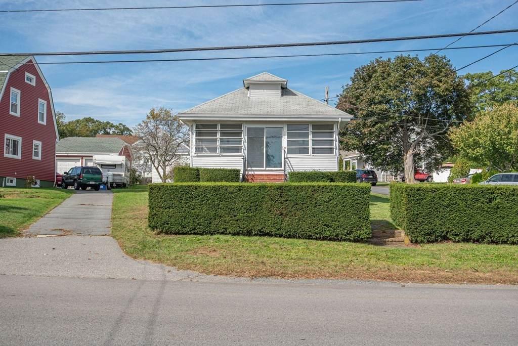 2085 Riverside Ave - Photo 1