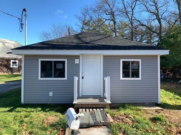 8 10Th Ave, Halifax, MA 02338 (MLS #72907878) :: The Smart Home Buying Team