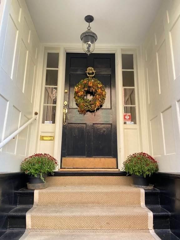 86 Myrtle St, Boston, MA 02114 (MLS #72908249) :: Welchman Real Estate Group