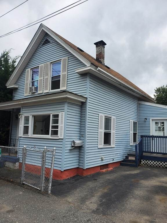 12 Blinkhorn Ave, Lowell, MA 01850 (MLS #72908532) :: The Smart Home Buying Team