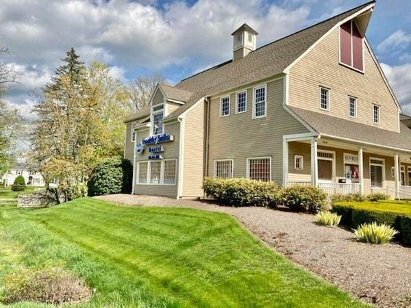 120 West Center #1, West Bridgewater, MA 02379 (MLS #72909054) :: Anytime Realty