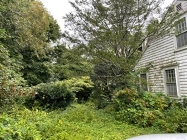 357 W Falmouth Highway, Falmouth, MA 02540 (MLS #72909353) :: The Smart Home Buying Team