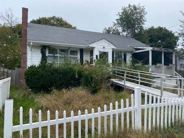 51 F St, Hull, MA 02045 (MLS #72909601) :: Zack Harwood Real Estate | Berkshire Hathaway HomeServices Warren Residential