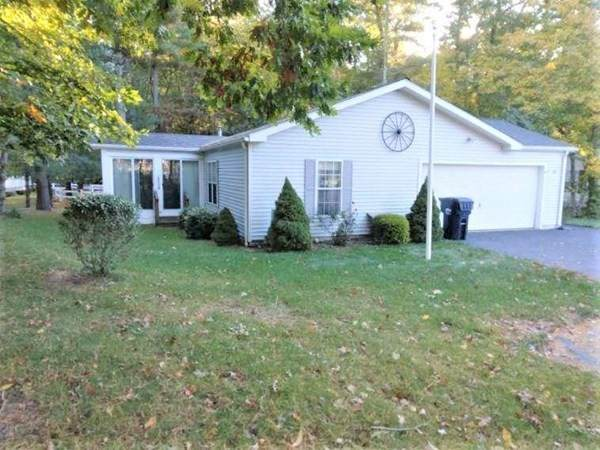 107 Blueberry Circle, Middleboro, MA 02346 (MLS #72909963) :: Welchman Real Estate Group