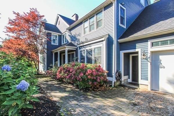 376 Highland Street, Hamilton, MA 01982 (MLS #72910034) :: The Smart Home Buying Team