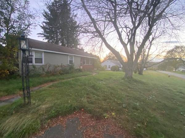 12 Normandy Road, South Hadley, MA 01075 (MLS #72912221) :: NRG Real Estate Services, Inc.