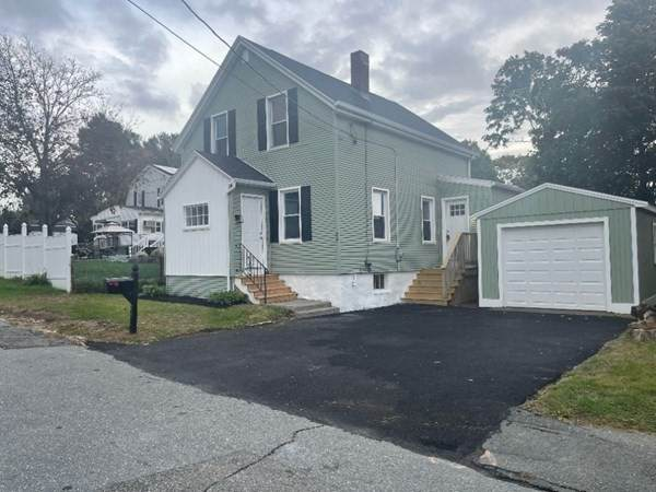 24 Hope St, Acushnet, MA 02743 (MLS #72913150) :: Home And Key Real Estate