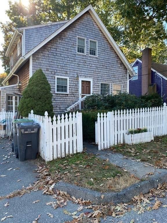 41 Corbett Ave, Dedham, MA 02026 (MLS #72913556) :: RE/MAX Vantage