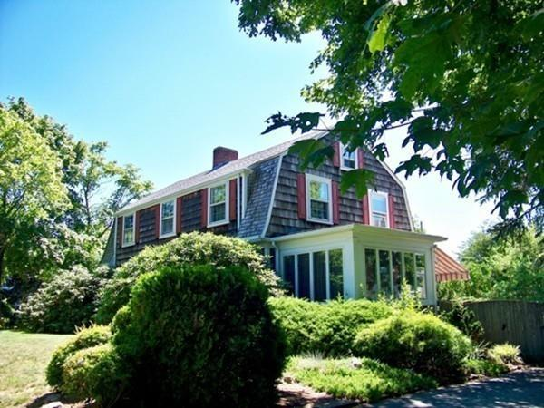10 Green Street, Fairhaven, MA 02719 (MLS #72199092) :: Goodrich Residential