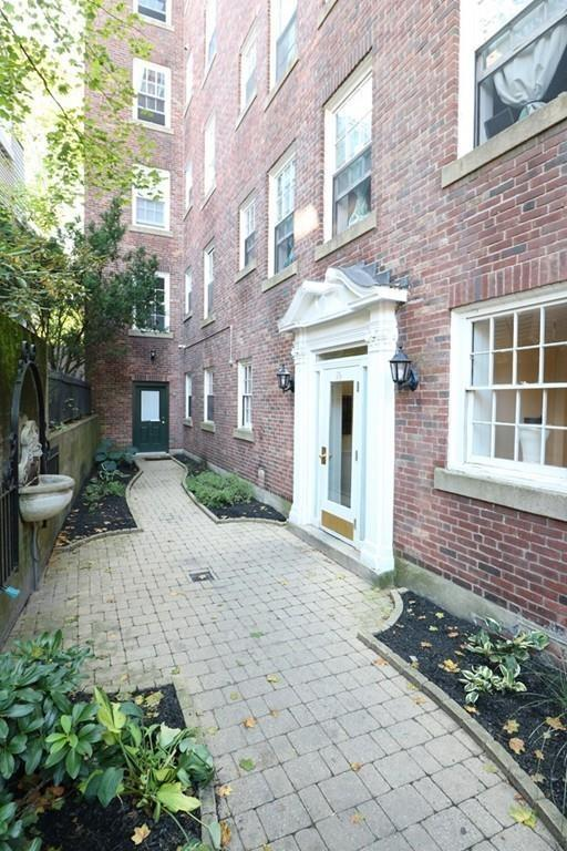 16 Chauncy Street #45, Cambridge, MA 02138 (MLS #72231672) :: Vanguard Realty