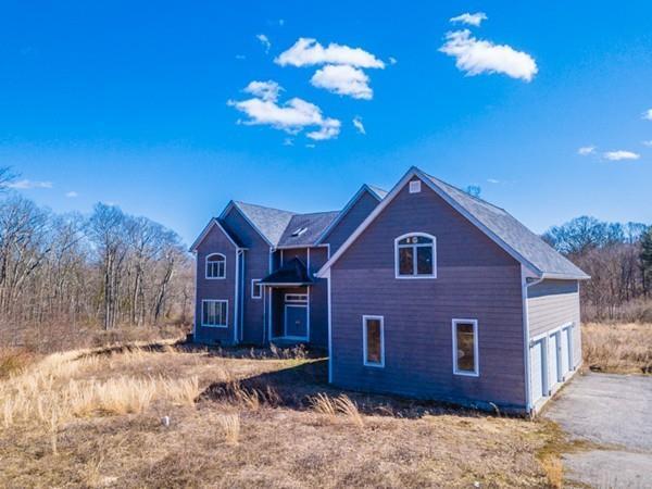 237 Lake St, Seekonk, MA 02771 (MLS #72288594) :: ALANTE Real Estate