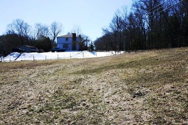 2-B Montgomery Rd, Westfield, MA 01085 (MLS #72295135) :: NRG Real Estate Services, Inc.