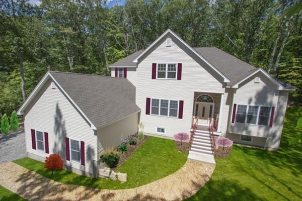 208 Nate Whipple Highway, Cumberland, RI 02864 (MLS #72355919) :: Westcott Properties