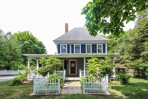 945 Main Street, Barnstable, MA 02655 (MLS #72361998) :: The Muncey Group