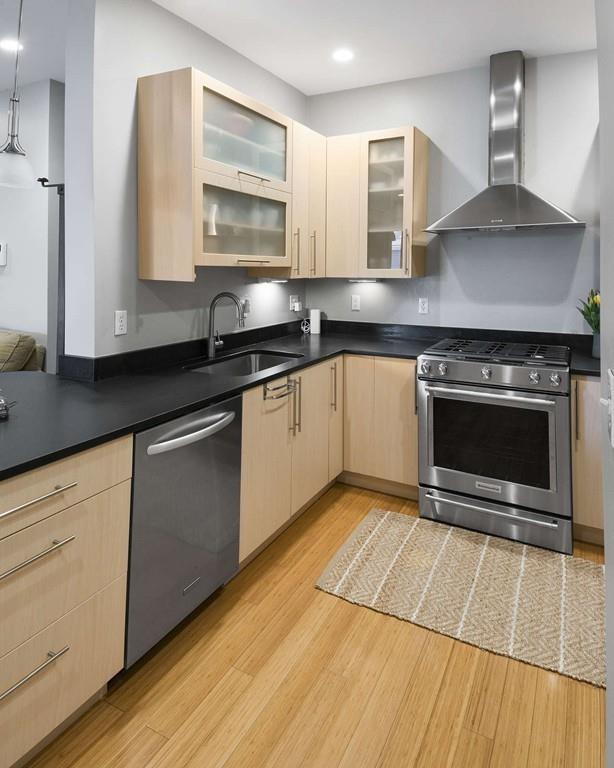 152 Old Colony Ave #13, Boston, MA 02127 (MLS #72363712) :: Goodrich Residential