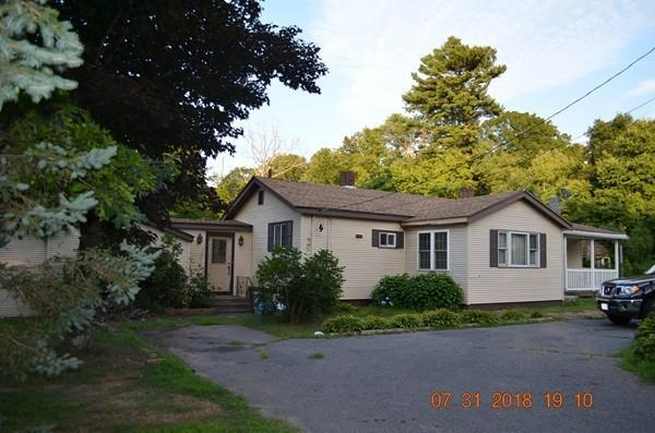 1756 County St, Taunton, MA 02718 (MLS #72381109) :: The Muncey Group