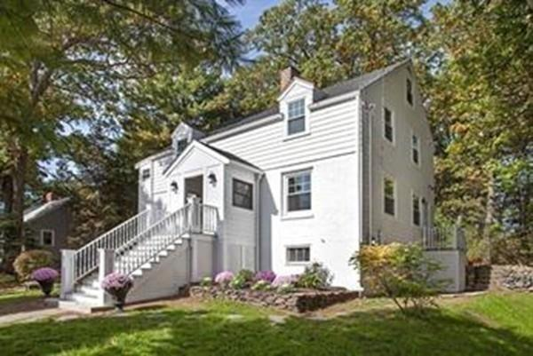 7 Valley Rd, Winchester, MA 01890 (MLS #72384547) :: Welchman Real Estate Group | Keller Williams Luxury International Division