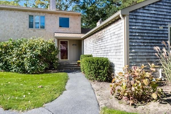220 Southwest Meadow #220, Falmouth, MA 02536 (MLS #72409070) :: Mission Realty Advisors