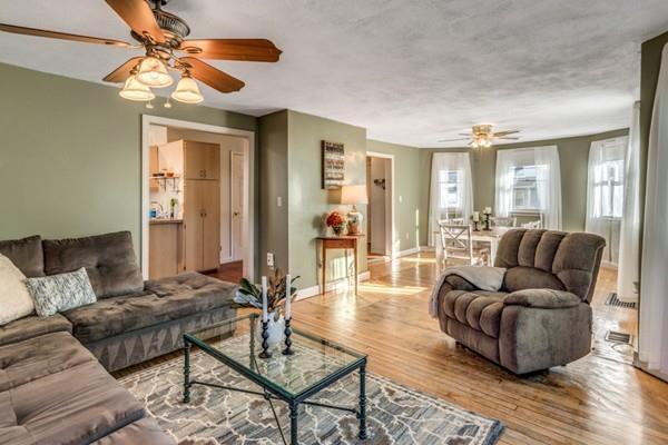 54 Grant Avenue, Medford, MA 02155 (MLS #72429962) :: COSMOPOLITAN Real Estate Inc