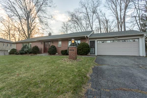 206 Lynnwood Dr, Longmeadow, MA 01106 (MLS #72439983) :: NRG Real Estate Services, Inc.