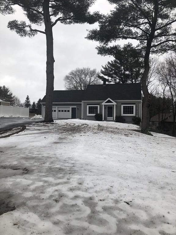 95 Russell St, Peabody, MA 01960 (MLS #72452161) :: AdoEma Realty