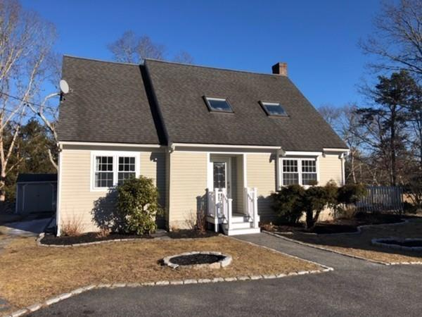 19 Ranch Rd, Falmouth, MA 02536 (MLS #72462009) :: Compass Massachusetts LLC
