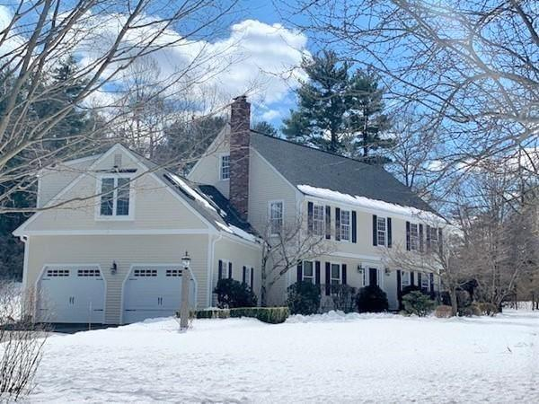 15 Pondview Avenue, Medfield, MA 02052 (MLS #72465097) :: Trust Realty One