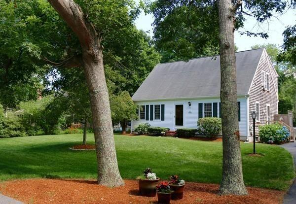 52 Mill Rd, Sandwich, MA 02537 (MLS #72498377) :: Apple Country Team of Keller Williams Realty