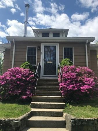 8 Wamsutta Ave, Waltham, MA 02451 (MLS #72500242) :: Welchman Real Estate Group | Keller Williams Luxury International Division