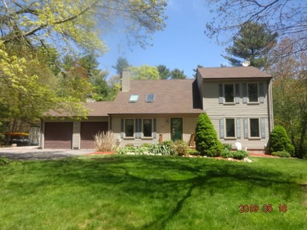 26 Red Oak Lane, Dartmouth, MA 02747 (MLS #72502785) :: Apple Country Team of Keller Williams Realty
