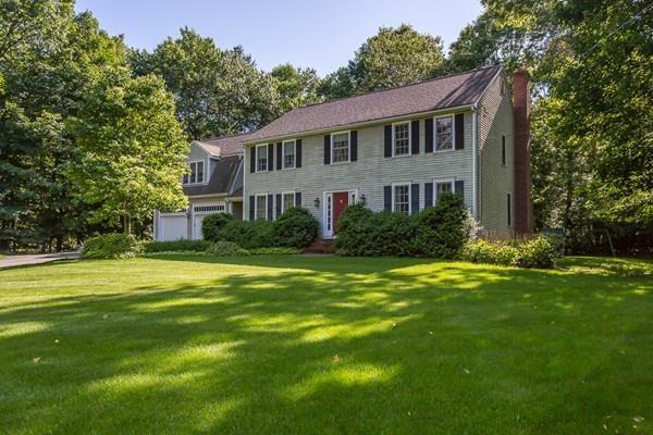 15 Sadie Cir, Easton, MA 02375 (MLS #72518120) :: Kinlin Grover Real Estate