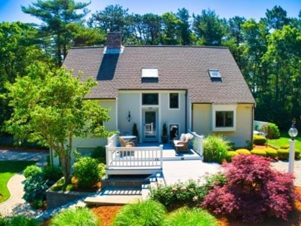 51 Rockledge Dr, Falmouth, MA 02556 (MLS #72531016) :: The Gillach Group