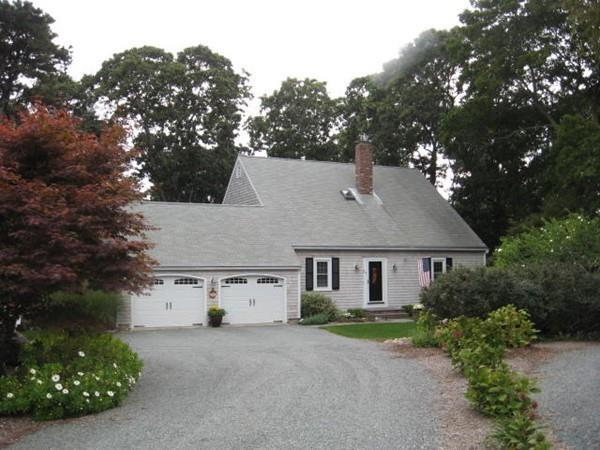 37 Knollwood Dr, Yarmouth, MA 02675 (MLS #72538385) :: Kinlin Grover Real Estate