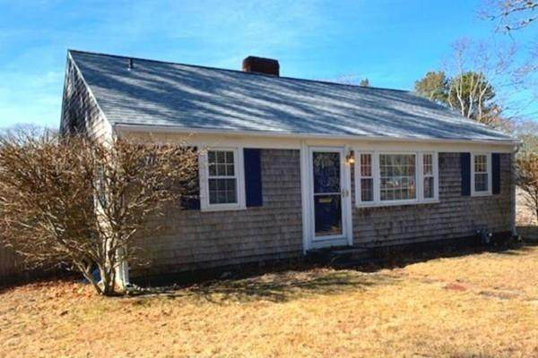41 Seaview Ave, Yarmouth, MA 02664 (MLS #72620097) :: Kinlin Grover Real Estate