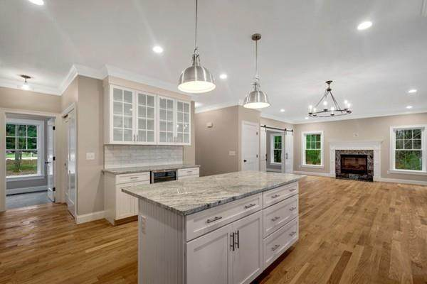 222 Center Street, Easton, MA 02356 (MLS #72625798) :: The Duffy Home Selling Team