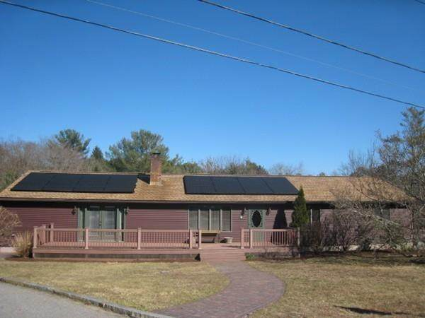 3 Becker Circle, Gloucester, MA 01930 (MLS #72636420) :: Westcott Properties