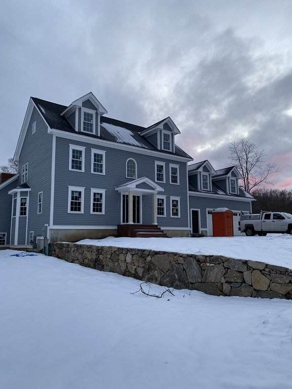 42 Clark's Cove Drive, Dartmouth, MA 02748 (MLS #72637982) :: Conway Cityside