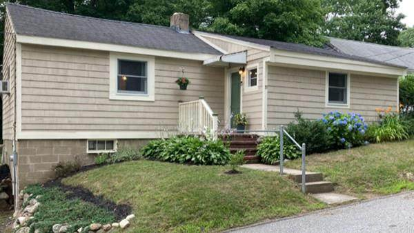 19 Belleview Ave, Middleton, MA 01949 (MLS #72690547) :: EXIT Cape Realty