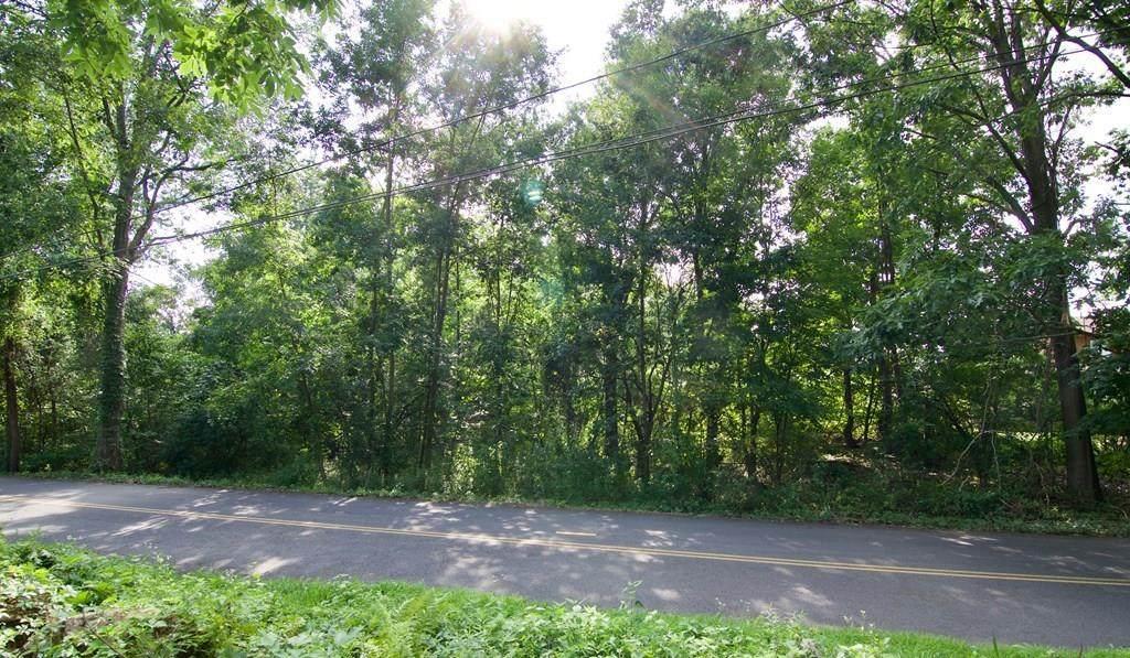 555 V Ridge Rd - Photo 1