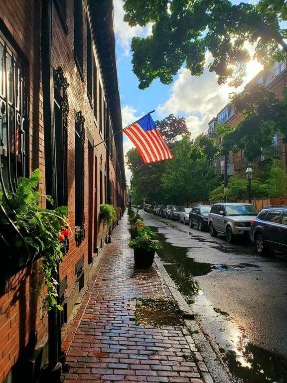 16 Lawrence St, Boston, MA 02116 (MLS #72709478) :: Charlesgate Realty Group